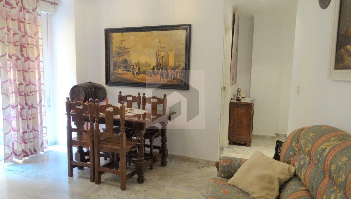 Ref 415, Centrico apartamento con patio: salon comedor