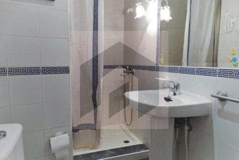 Ref 415, Centrico apartamento con patio: baño
