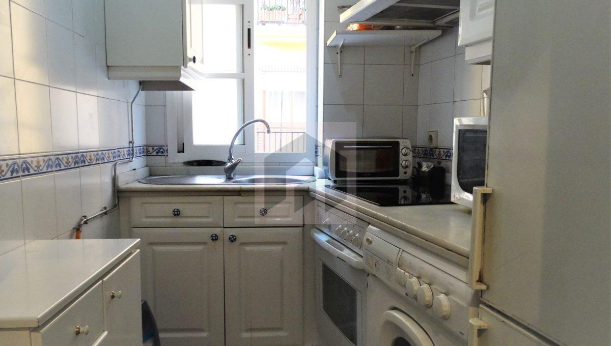 Ref 415, Centrico apartamento con patio: cocina equipada
