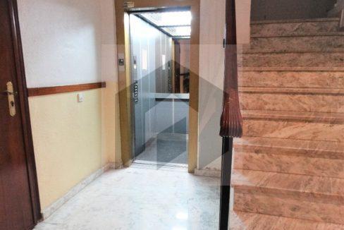 Ref 415, Centrico apartamento con patio: ascensor