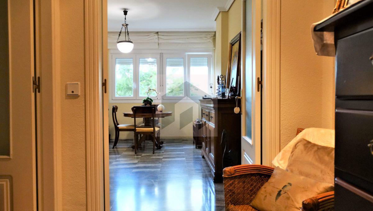 Ref 468, luminosa vivienda exterior en el centro: entrada