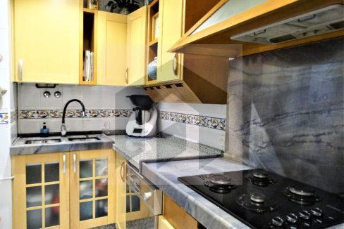 Ref 468, luminosa vivienda exterior en el centro: cocina equipada