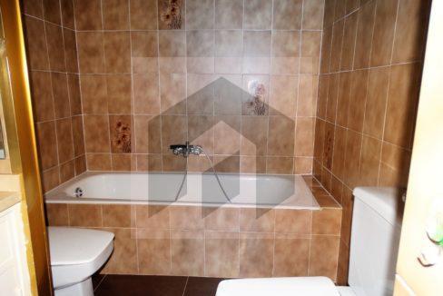 Ref 466, amplio piso en el corazón de Huelva: bañera