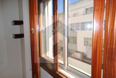 Ref 466, calidades piso en el corazón de Huelva: dobles ventanas