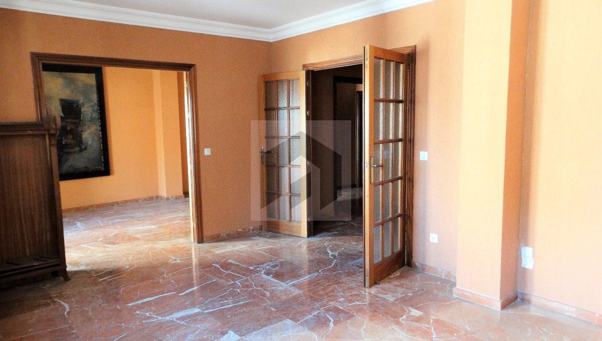 amplio piso en el corazón de Huelva, salon