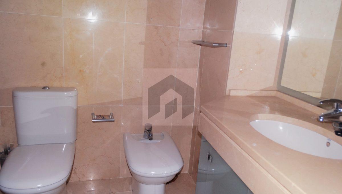 Ref 466, amplio piso en el corazón de Huelva: baño